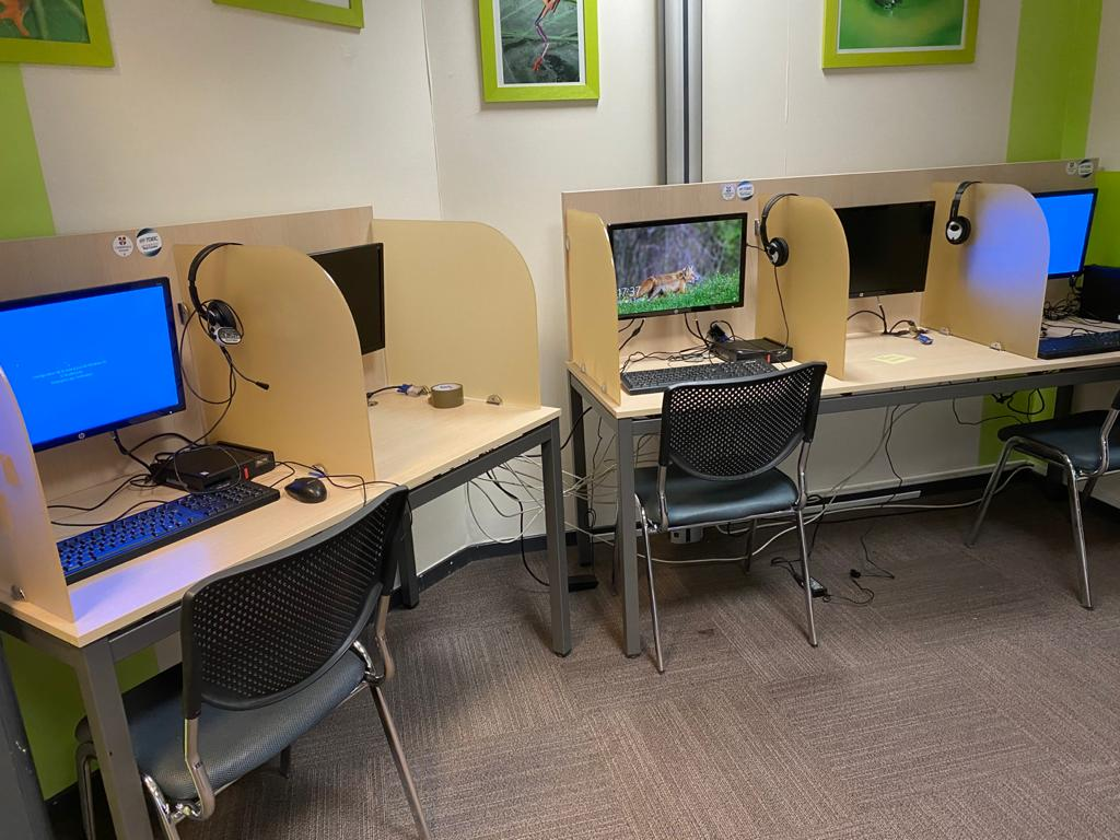 La laboratoire de langue réservé pour nos examens
